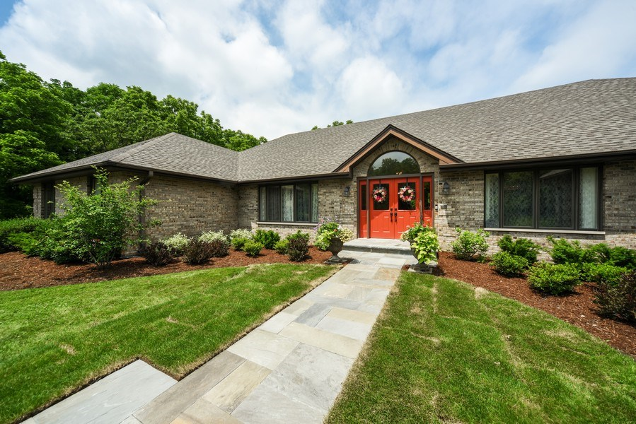 Real Estate Photography - 200 Dundee Rd, Barrington Hills, IL, 60010 - Front View