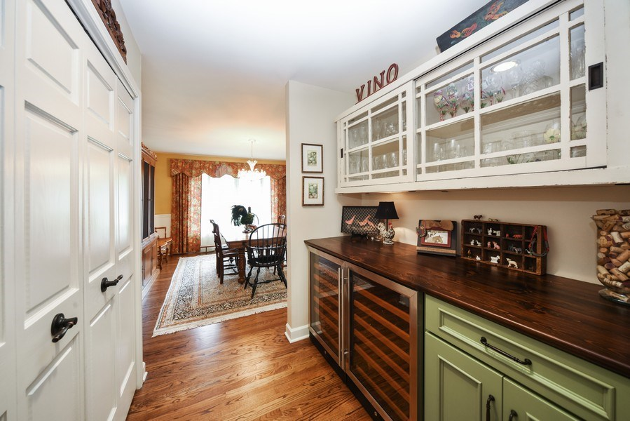 Real Estate Photography - 200 Dundee Rd, Barrington Hills, IL, 60010 - Pantry