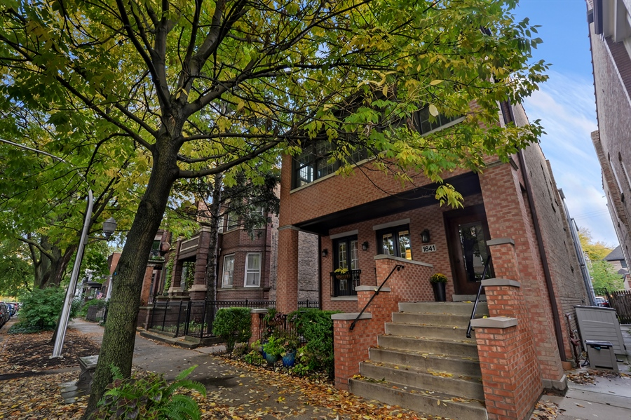 Real Estate Photography - 1641 W Winona, Unit 1, Chicago, IL, 60640 - Front View
