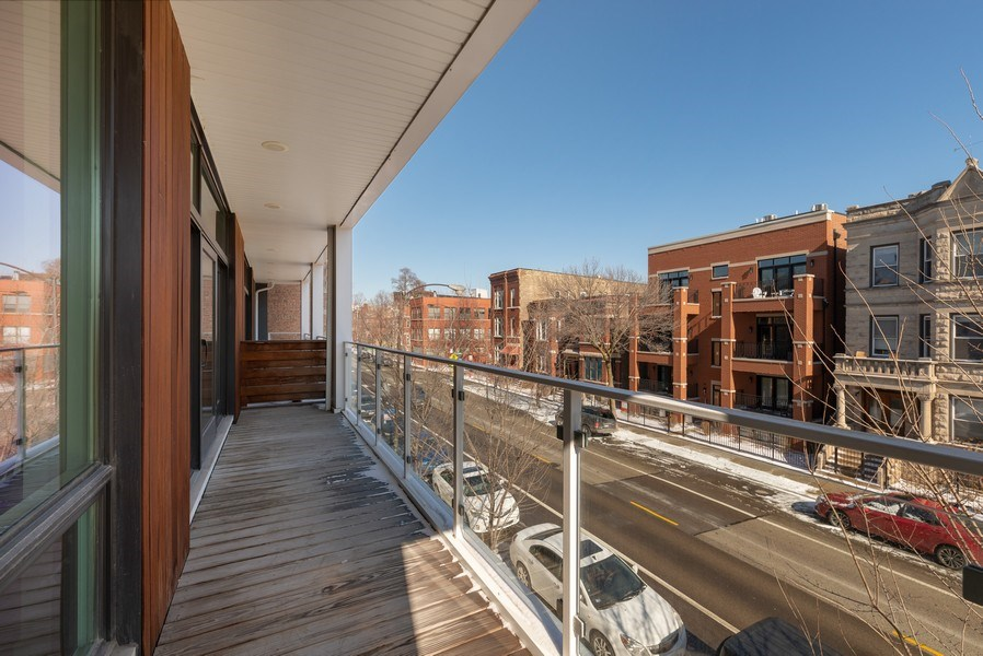 Real Estate Photography - 1046 N Damen, 2S, Chicago, IL, 60622 - Deck