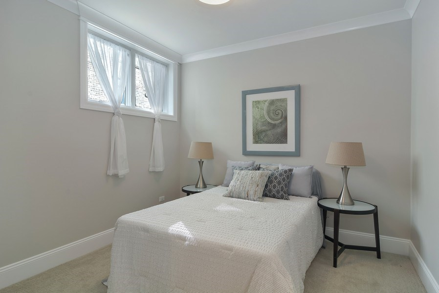 Real Estate Photography - 3913 N Janssen, Unit 1, Chicago, IL, 60613 - 2nd Bedroom