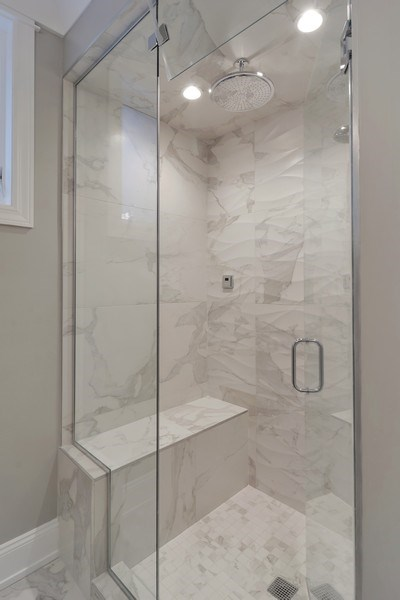 Real Estate Photography - 3913 N Janssen, Unit 1, Chicago, IL, 60613 - Master Bathroom
