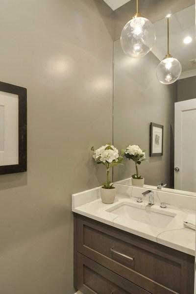 Real Estate Photography - 3913 N Janssen, Unit 1, Chicago, IL, 60613 - Half Bath