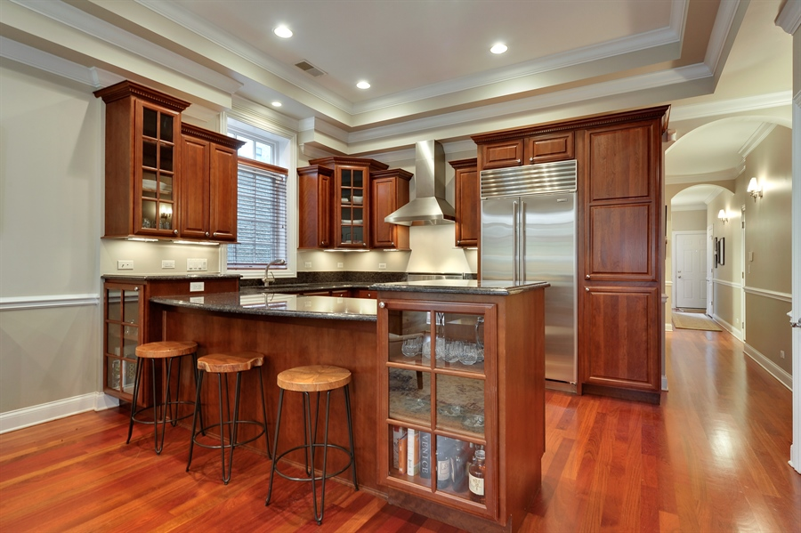 Real Estate Photography - 3247 N. Kenmore, 2, Chicago, IL, 60657 - Kitchen / Breakfast Room
