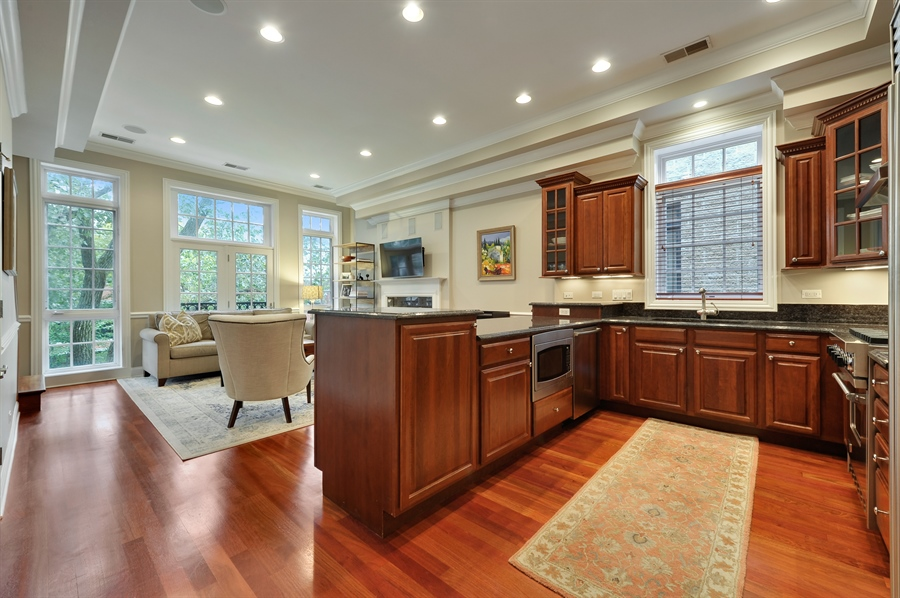 Real Estate Photography - 3247 N. Kenmore, 2, Chicago, IL, 60657 - Kitchen / Living Room