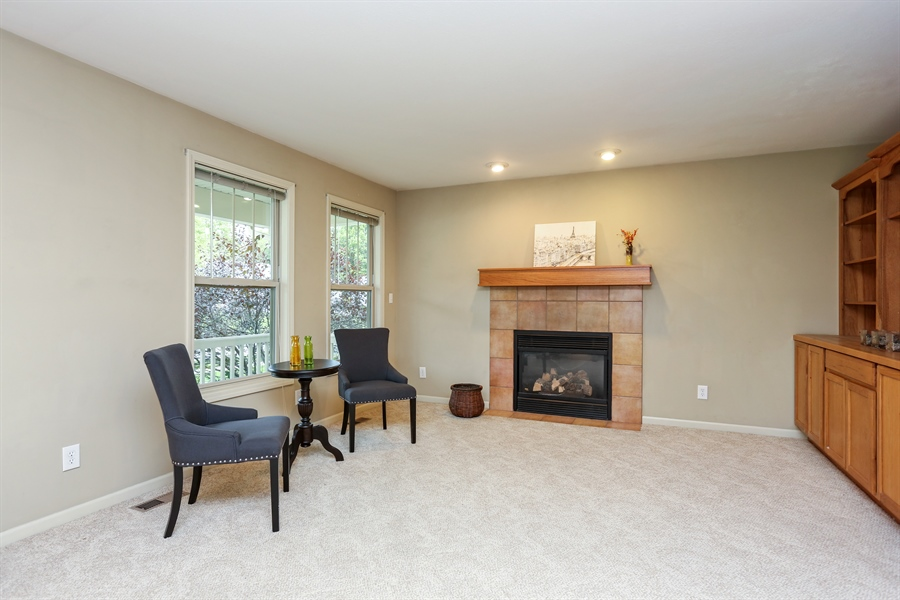 Real Estate Photography - 1323 Sycamore Lane, Benton Harbor, MI, 49022 - Living Room