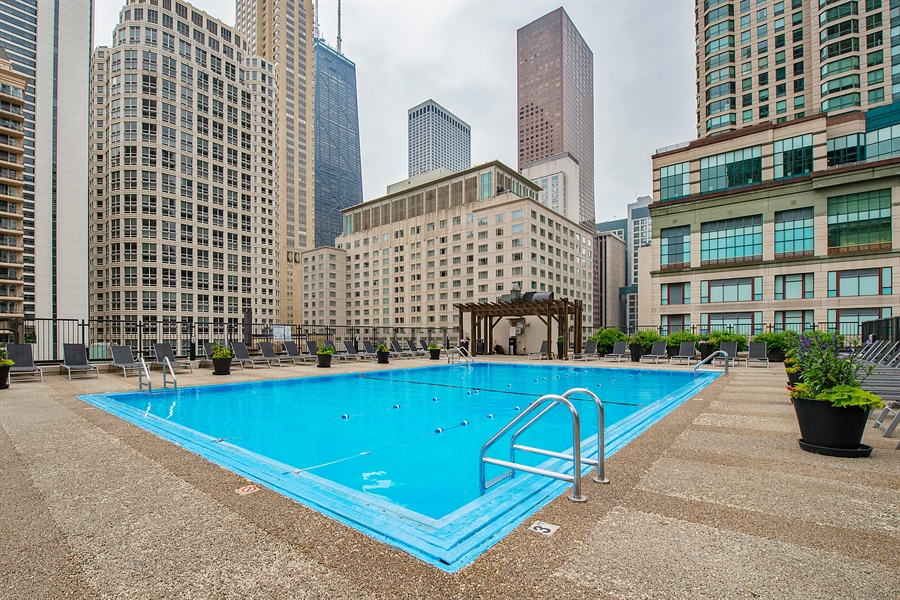 Real Estate Photography - 30 E. Huron St., 4705, Chicago, IL, 60611 - Pool