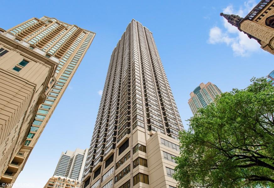 Real Estate Photography - 30 E. Huron St., 4705, Chicago, IL, 60611 -