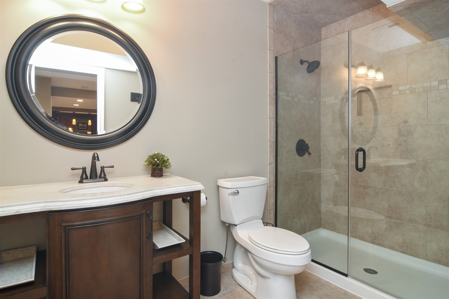 Real Estate Photography - 82 Tournament, Hawthorn woods, IL, 60047 - 3rd Bathroom