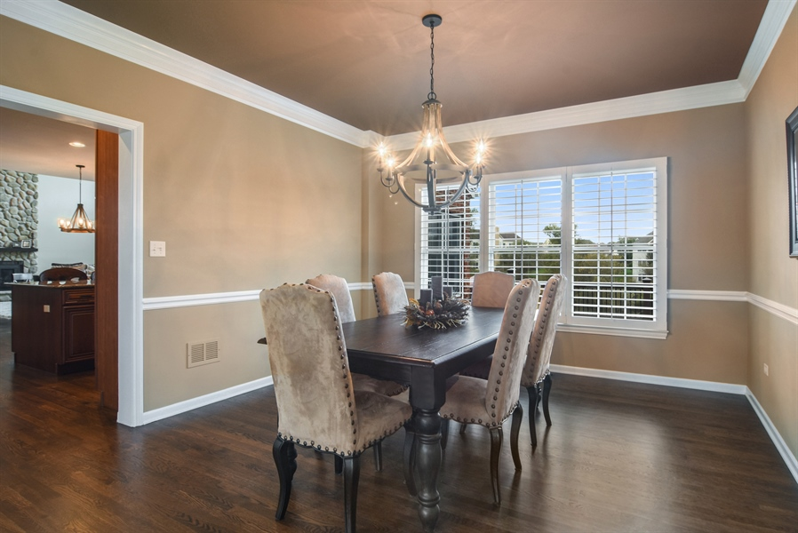 Real Estate Photography - 82 Tournament, Hawthorn woods, IL, 60047 - Dining Room