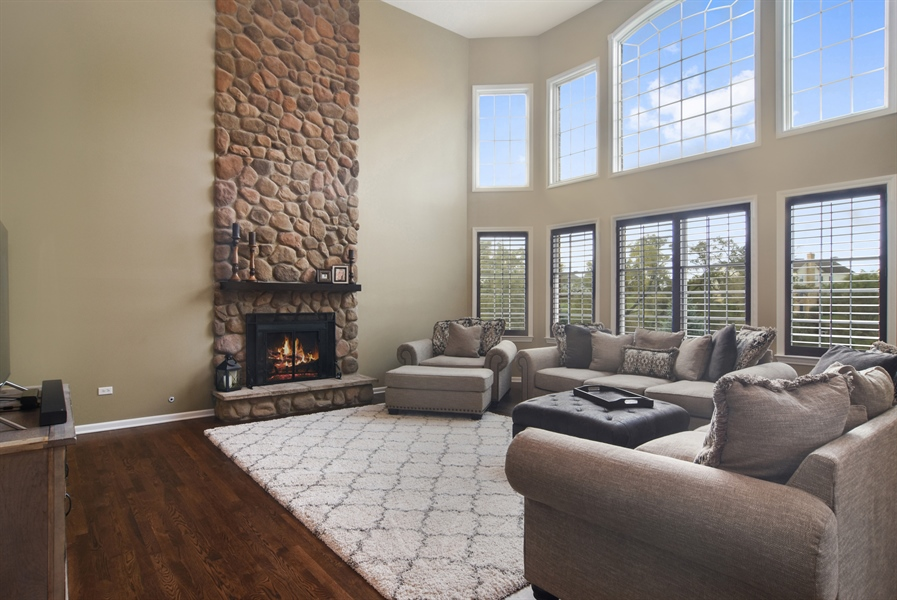 Real Estate Photography - 82 Tournament, Hawthorn woods, IL, 60047 - Family Room
