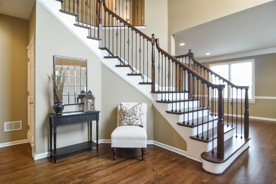 Real Estate Photography - 82 Tournament, Hawthorn woods, IL, 60047 - Foyer