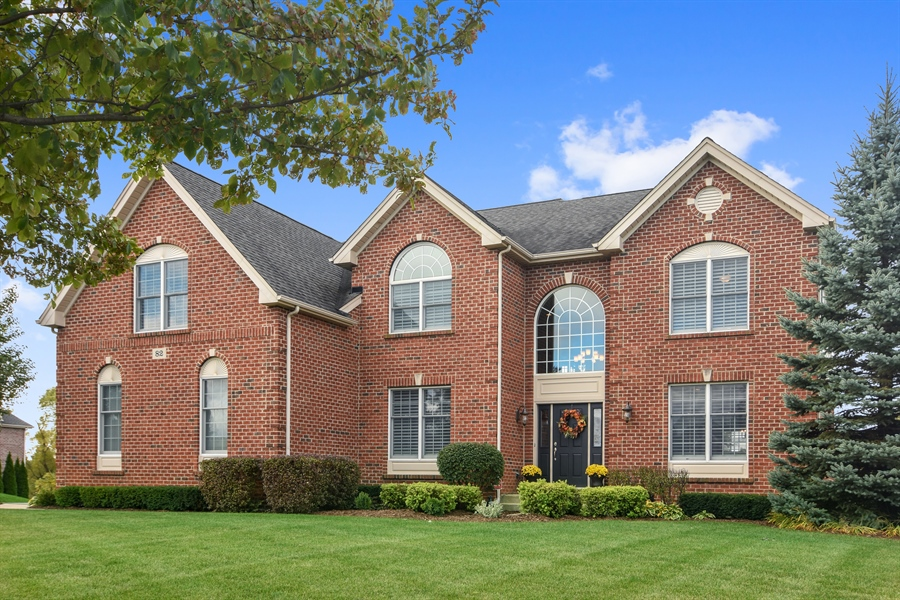 Real Estate Photography - 82 Tournament, Hawthorn woods, IL, 60047 - Front View