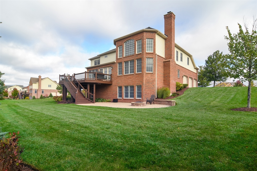 Real Estate Photography - 82 Tournament, Hawthorn woods, IL, 60047 - Rear View
