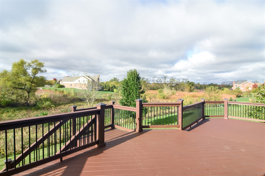 Real Estate Photography - 82 Tournament, Hawthorn woods, IL, 60047 - Deck