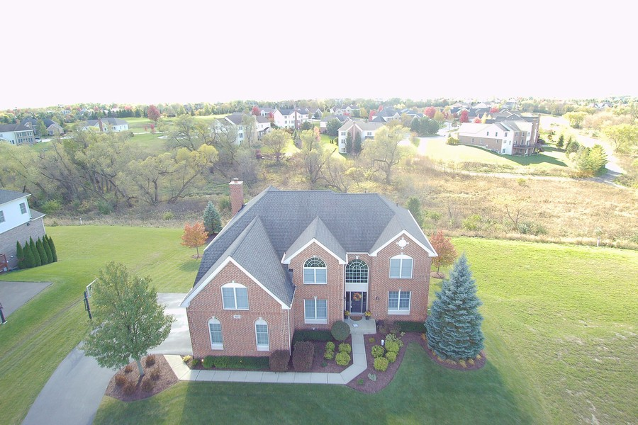 Real Estate Photography - 82 Tournament, Hawthorn woods, IL, 60047 -
