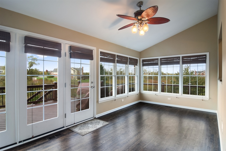 Real Estate Photography - 82 Tournament, Hawthorn woods, IL, 60047 - Sun Room