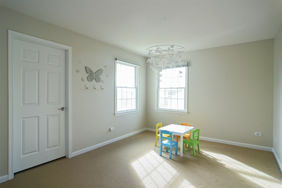 Real Estate Photography - 55 open pkwy, hawthorn woods, IL, 60047 - 2nd Bedroom