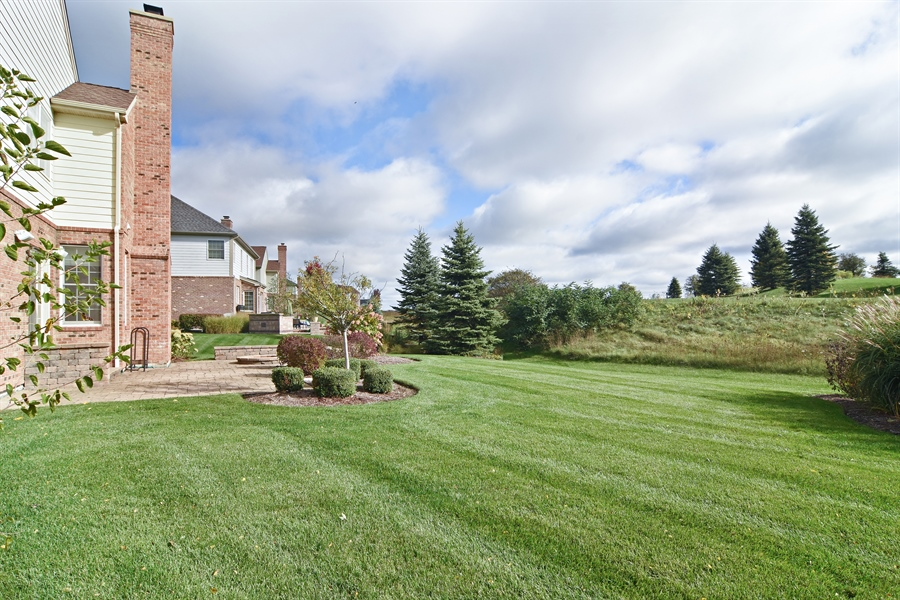 Real Estate Photography - 55 open pkwy, hawthorn woods, IL, 60047 - Back Yard
