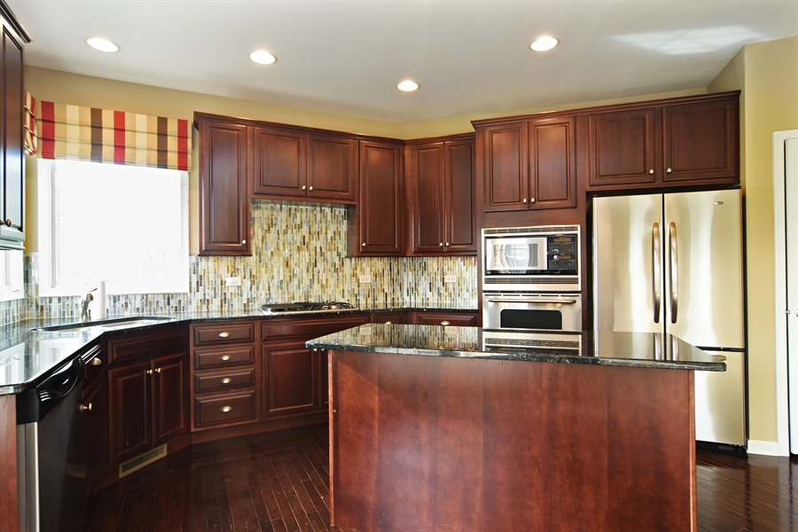 Real Estate Photography - 55 open pkwy, hawthorn woods, IL, 60047 - Kitchen