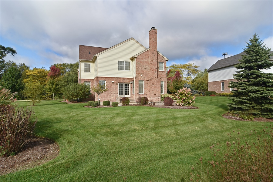 Real Estate Photography - 55 open pkwy, hawthorn woods, IL, 60047 - Rear View