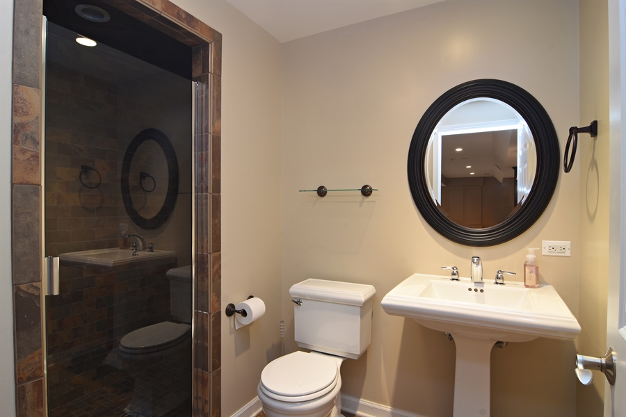 Real Estate Photography - 55 open pkwy, hawthorn woods, IL, 60047 - 2nd Bathroom