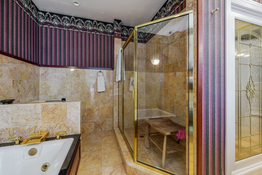 Real Estate Photography - 1252 N State Pkwy, Chicago, IL, 60610 - 2nd Master Bathroom