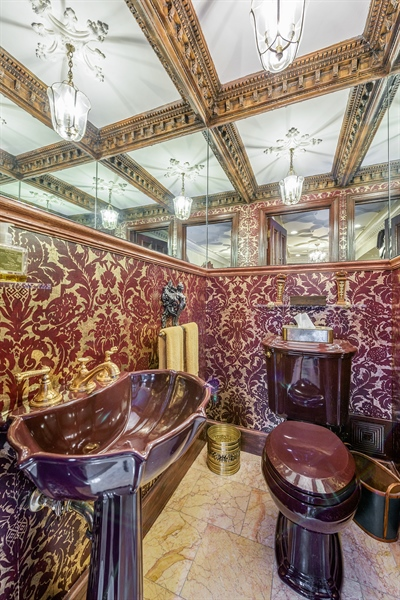 Real Estate Photography - 1252 N State Pkwy, Chicago, IL, 60610 - Half Bath