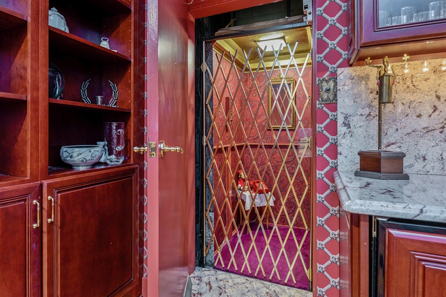 Real Estate Photography - 1252 N State Pkwy, Chicago, IL, 60610 - Elevator