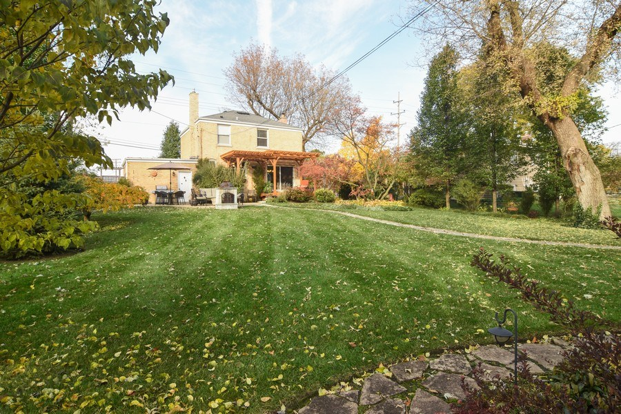 Real Estate Photography - 1005 N Wilke Rd, Arlington Heights, IL, 60004 - View