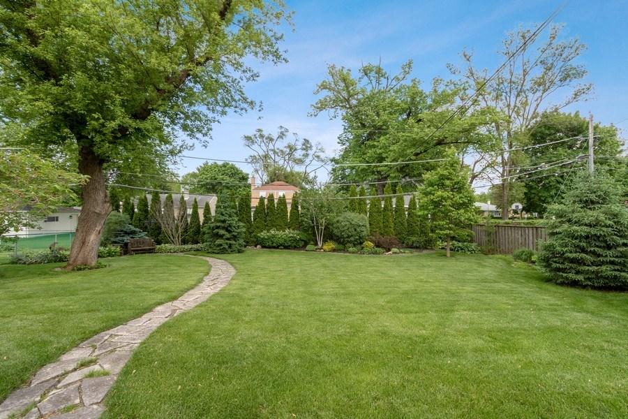 Real Estate Photography - 1005 N Wilke Rd, Arlington Heights, IL, 60004 - Back Yard