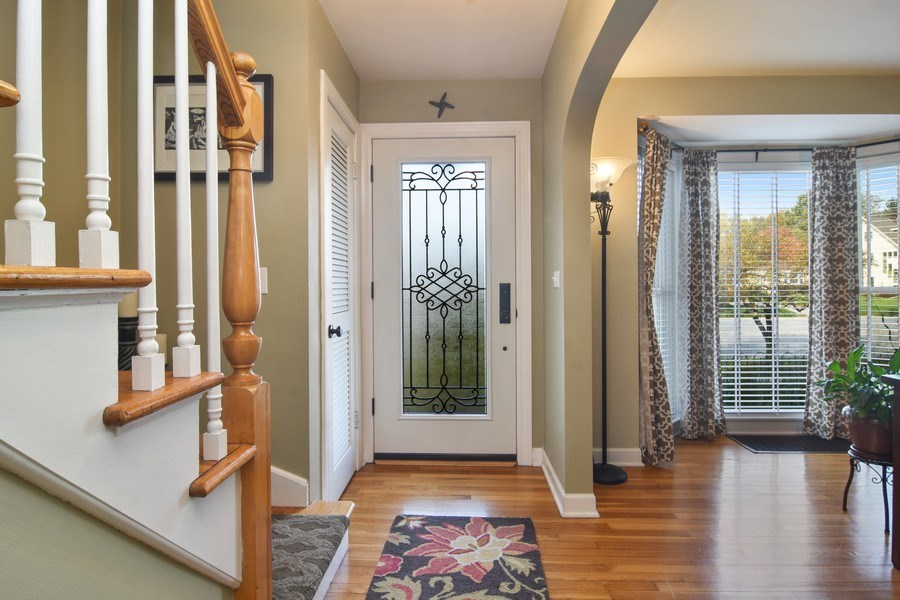 Real Estate Photography - 1005 N Wilke Rd, Arlington Heights, IL, 60004 - Foyer