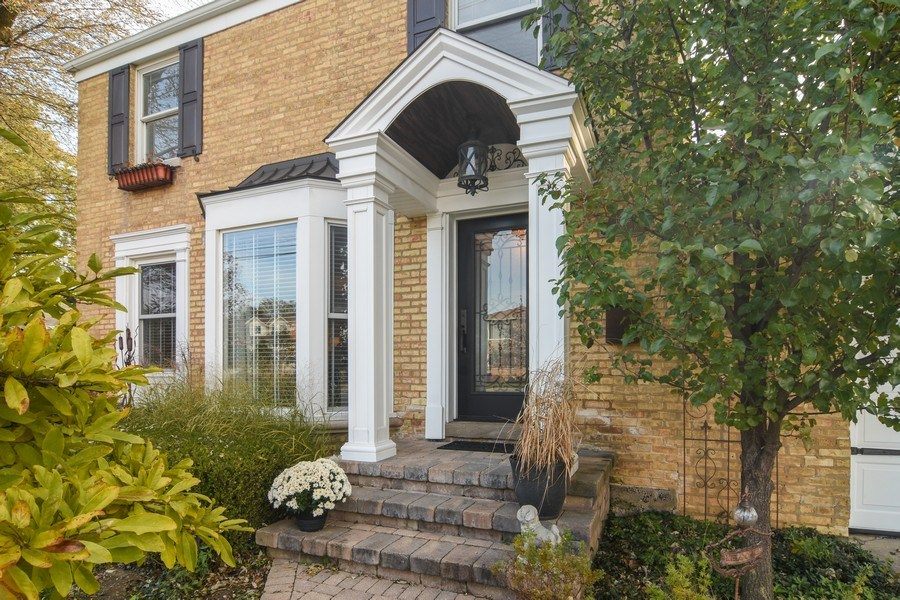 Real Estate Photography - 1005 N Wilke Rd, Arlington Heights, IL, 60004 - Front View