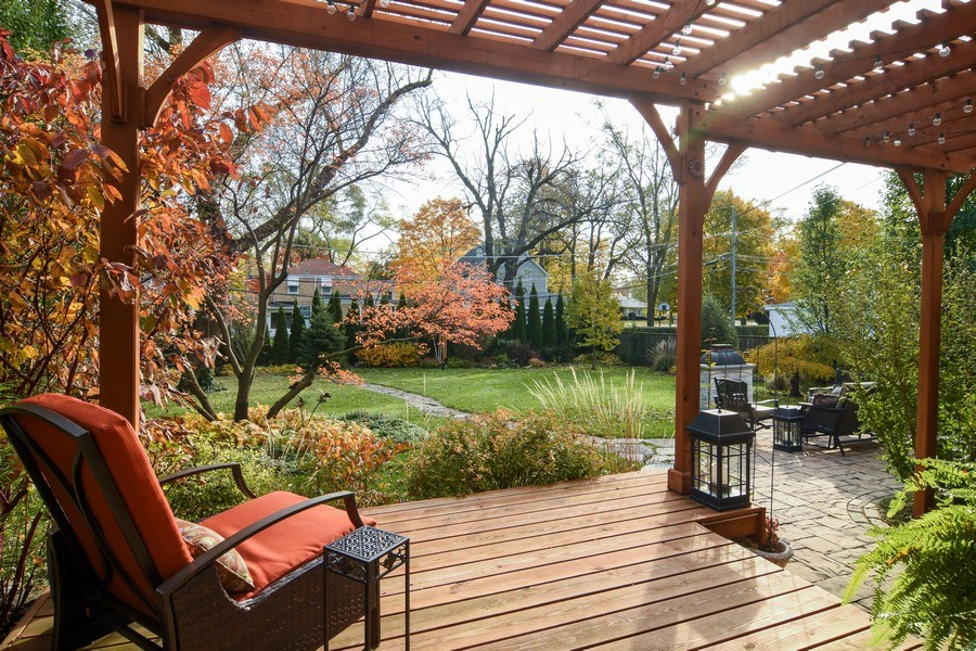 Real Estate Photography - 1005 N Wilke Rd, Arlington Heights, IL, 60004 - Deck