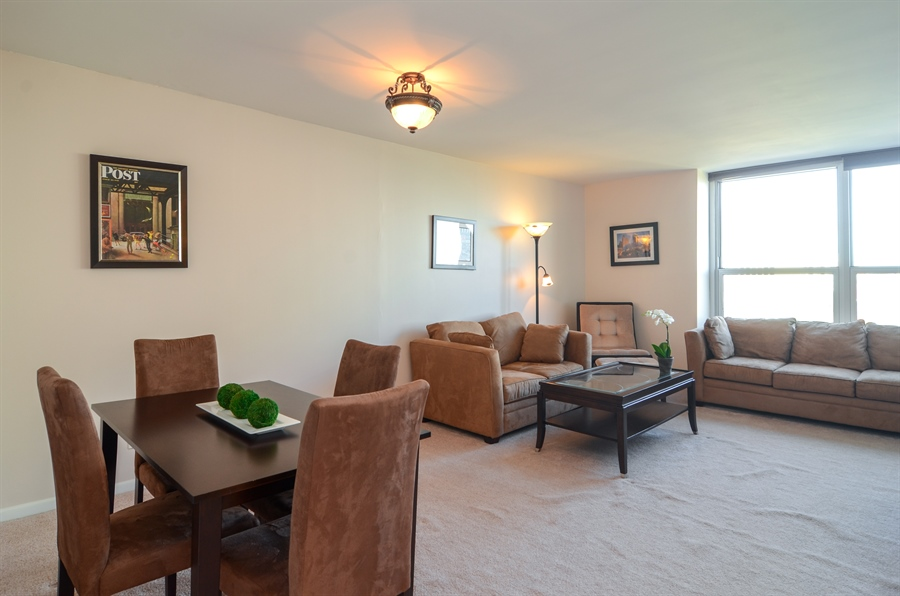 Real Estate Photography - 720 W Gordon Ter, Unit 11F, Chicago, IL, 60613 - Living/Dining Room