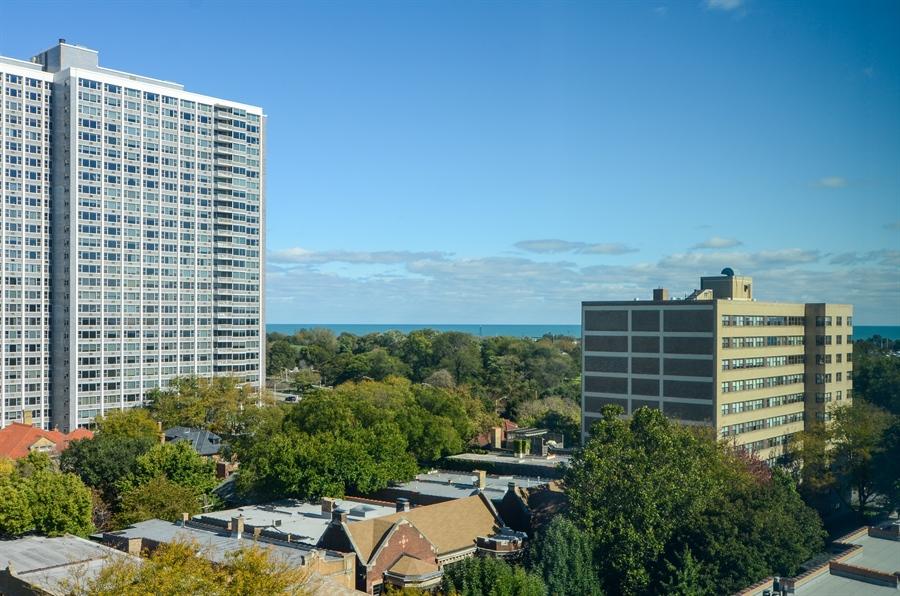 Real Estate Photography - 720 W Gordon Ter, Unit 11F, Chicago, IL, 60613 - Lake View