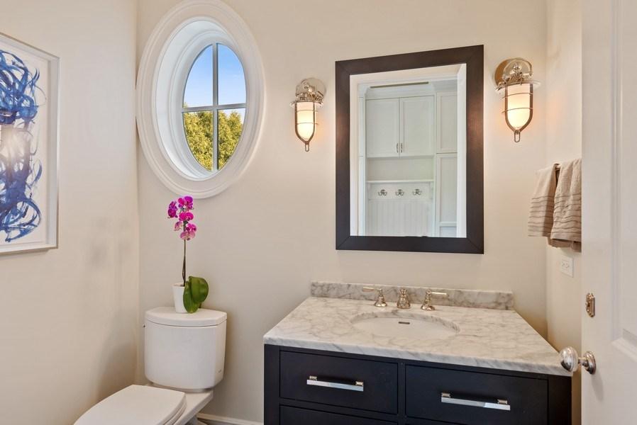 Real Estate Photography - 174 Beach Road, Glencoe, IL, 60022 - Powder Room