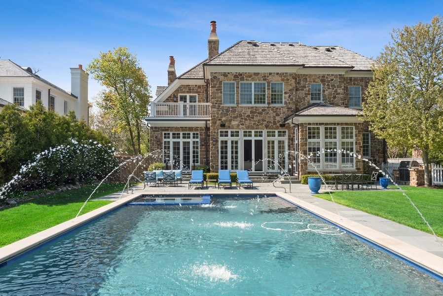 Real Estate Photography - 174 Beach Road, Glencoe, IL, 60022 - Pool