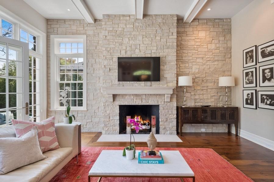Real Estate Photography - 174 Beach Road, Glencoe, IL, 60022 - Family Room