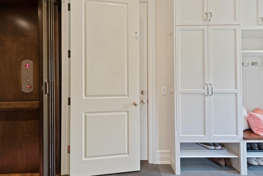 Real Estate Photography - 174 Beach Road, Glencoe, IL, 60022 - Elevator