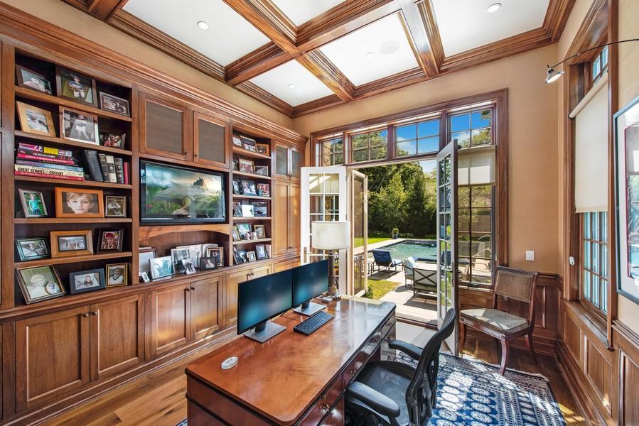 Real Estate Photography - 174 Beach Road, Glencoe, IL, 60022 - Office