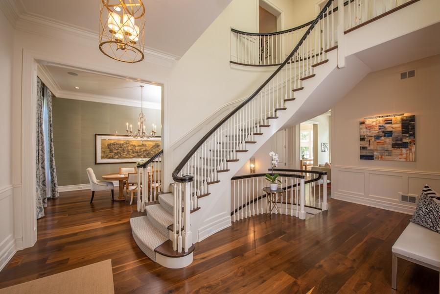 Real Estate Photography - 174 Beach Road, Glencoe, IL, 60022 - Foyer