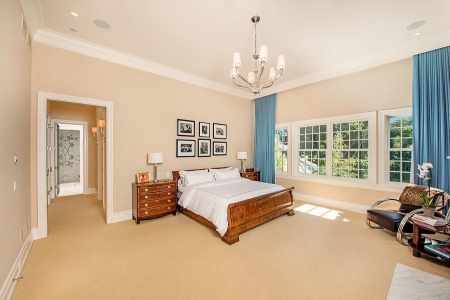 Real Estate Photography - 174 Beach Road, Glencoe, IL, 60022 - Master Bedroom