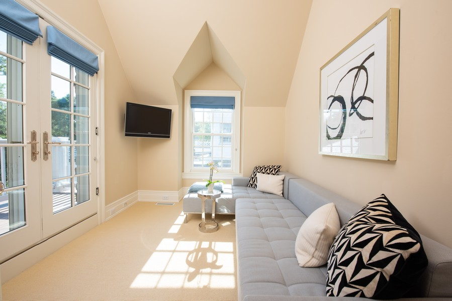 Real Estate Photography - 174 Beach Road, Glencoe, IL, 60022 - Master Bedroom Sitting Room