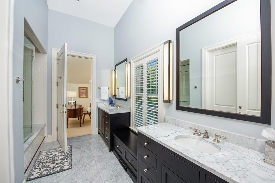 Real Estate Photography - 174 Beach Road, Glencoe, IL, 60022 - Jack-and-Jill Bathroom