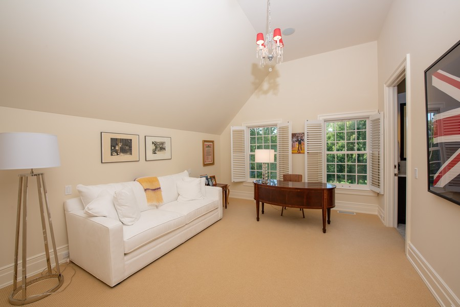 Real Estate Photography - 174 Beach Road, Glencoe, IL, 60022 - Third Bedroom