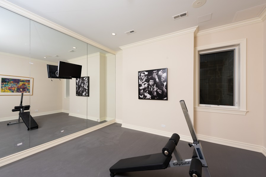 Real Estate Photography - 174 Beach Road, Glencoe, IL, 60022 - Exercise Room