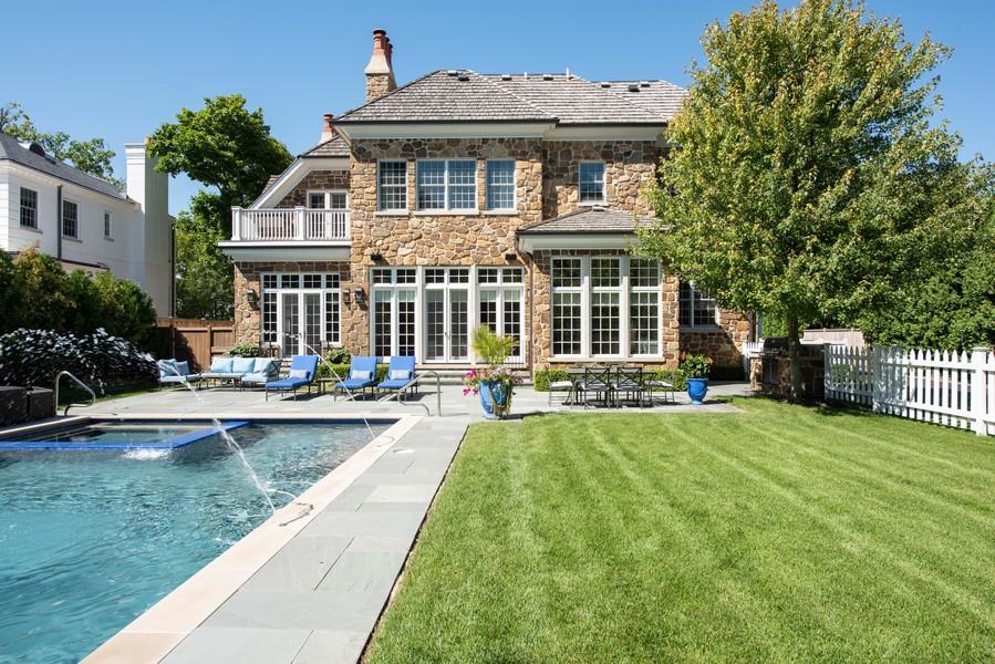 Real Estate Photography - 174 Beach Road, Glencoe, IL, 60022 - Rear View