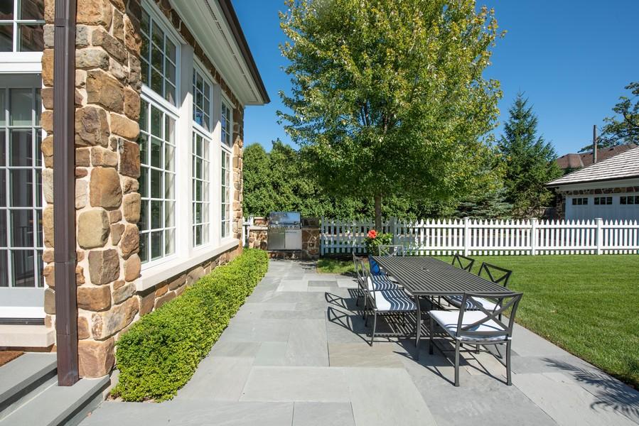 Real Estate Photography - 174 Beach Road, Glencoe, IL, 60022 - Dining Patio