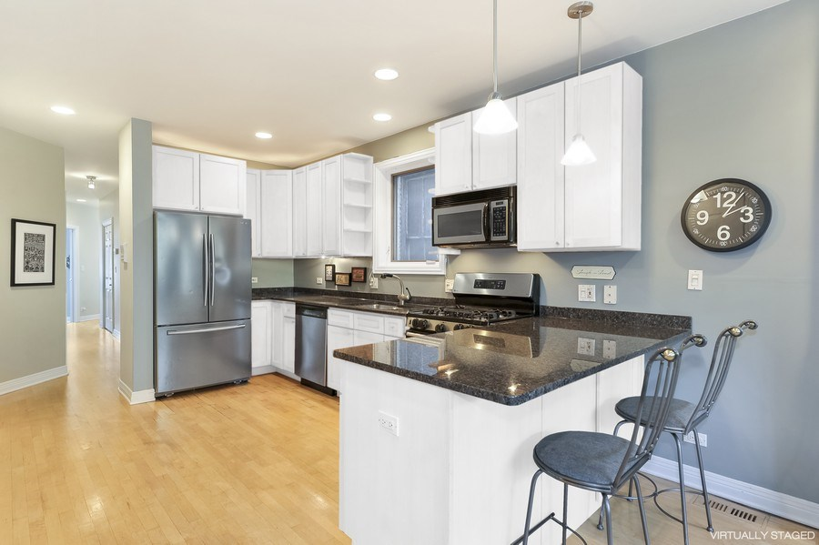 Real Estate Photography - 1246 N Noble, 2, Chicago, IL, 60642 - Kitchen / Breakfast Room